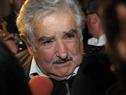 Presidente Mujica declarando a la prensa