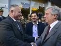 Presidente Tabaré Vázquez saludando a al Intendente de Soriano, Luis Gómez