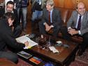 Diputados Iván Posadas, Alejandro Sánchez, Ope Pasquet y Pablo Abdala durante la firma del anteproyecto de ley
