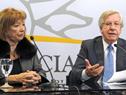 Danilo Astori y María Julia Muñoz en conferencia de prensa