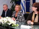 Carlos Fagetti, Lilian Kechichian y Marina Arismendi encabezando el acto de entrega de premios