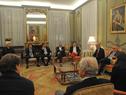 Vázquez durante la reunión con compatriotas radicados en Francia