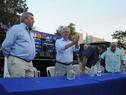 Presidente Vázquez saluda junto a las autoridades participantes de la actividad