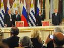 Instantes previos al inicio de la conferencia de prensa de los presidentes  Vladimir Putin y Tabaré Vázquez, de Rusia y Uruguay respectivamente