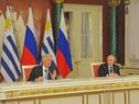 Presidenes Tabaré Vázquez y Vladimir Putin, durante la conferencia de prensa