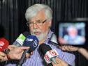 Ministro del Interior, Eduardo Bonomi, realizando declaraciones a la prensa