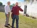 Ministro Rossi recorre predio en el que funcionaba un centro de reclusión de la dictadura en Canelones, donde él mismo estuvo detenido