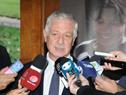 Ministro de Salud Pública, Jorge Basso, dialoga con la prensa