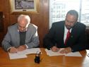 Ministro de Transporte y Obras Públicas, Víctor Rossi, y el ministro de Obras Públicas, Servicios y Vivienda de Bolivia, Milton Claros