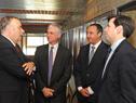 Canciller Rodolfo Nin Novoa, junto a autoridades, previo a la reunión que mantuvieron en Salto Grande