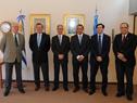 Canciller Rodolfo Nin Novoa con integrantes de la Comisión Técnica Mixta de Salto Grande