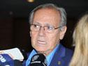 Subsecretario de Medio Ambiente, Jorge Rucks, realizando declaraciones a la prensa