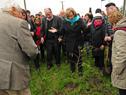 Plantación de un árbol en penal de Libertad en homenaje a expresos políticos