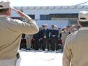 Subsecretario Jorge Vázquez hace entrega de medalla a funcionarios