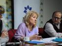 Ministra Carolina Cosse con vecinos de Rocha
