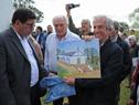 Ministro Rossi firma acta para entrega de vivienda a Julia López, damnificada por inundaciones en abril de 2016