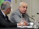 Director representante de CAF en Uruguay, Germán Ríos, junto al ministro de Transporte, Víctor Rossi