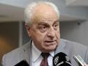 Ministro de Transporte, Víctor Rossi, dialoga con la prensa