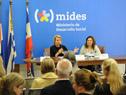 Ministra de Infancia, Tercera Edad e Igualdad Género de Suecia, Asa Regnér, junto a la directora de Violencia de Género del Mides, Karina Ruiz