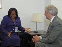 Encuentro entre Vázquez y la directora de la Organización Panamericana de la Salud, Carissa Etienne