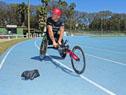 Entrega oficial de la nueva silla de atletismo para el deportista uruguayo Eduardo Dutra