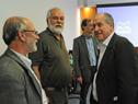 Ministro Murro, junto a expertos participantes de la mesa redonda, previo al inicio de la actividad