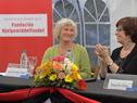Marianne Irgens Hagen junto a ministra Marina Arismendi