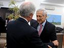 Vázquez se encuentra con el canciller de Chile, Edgardo Riveros