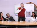 Intendente de Canelones, Yamandú Orsi, junto a autoridades del Hospital de Las Piedras, en el acto de entrega de set 200.000 de Uruguay Crece Contigo
