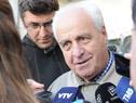 Ministro Rossi, también presente en la convocatoria, dialoga con la prensa