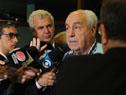 Ministro de Transporte y Obras Públicas, Víctor Rossi dilaoga con la prensa