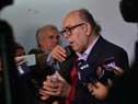 Presidente de ASSE, Marcos Carámbula junto a autoridades del Pereira Rossell