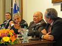 Enrique Iglesias, dirigiéndose a los presentes