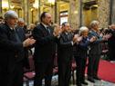 Tabaré Vázquez y Lucía Topolanzky entonan el Himno Nacional junto a autoridades