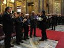 Vázquez saluda al director de la Orquesta Juvenil del Sodre, Ariel Britos