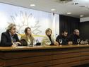 Delegación de ex trabajadores papeleros y textiles de Juan Lacaze en conferencia de prensa