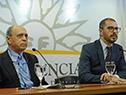 Presidente de la Academia Nacional de Medicina, Henry Cohen, y prosecretario de la presidencia, Juan Andrés Roballo