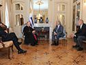 Vázquez recibe cartas credenciales del representante del Vaticano, Martin Krebs