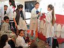 Escolares en el lanzamiento de la 13.ª Semana de la Salud Bucal, en plaza Independencia, Montevideo
