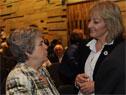 María Auxiliadora Delgado junto a ministra Carolina Cosse