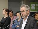 Director de Vivienda, Salvador Schelotto, haciendo uso de la palabra en acto de entrega de 96 viviendas en un barrio de Maldonado