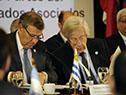 Canciller Rodolfo Nin Novoa junto al ministro de Economía, Danilo Astori