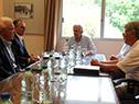 Vázquez reunido con dirigentes de cuatro gremiales del sector lechero