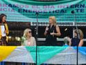 Ministra de Industria, Energía y Minería, Carolina Cosse, y directora nacional de Energía, Olga Otegui, en liceo n.° 2 de San José