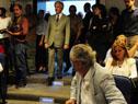 Vázquez ingresa a el Salón de Actos de la Torre Ejecutiva