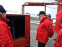 Recorrida de autoridades por Base Artigas en Antártida
