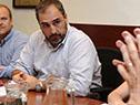 Pablo Ferreri, junto a delegados de los productores de leche