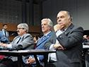 Tabaré Vázquez junto al embajador Héctor Lescano y Ariel Bergamino