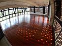 Salón especial para bachillerato artístico especialmente ambientado con piso flotante