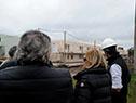 Ministra Eneida de León junto a autoridades de Vivienda recorre las obras en la calle Pascual Harriague de la ciudad Salto